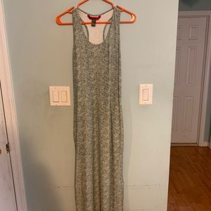 Maxi dress with slit on side